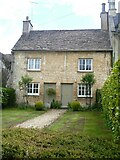SP0102 : Cirencester houses [93] by Michael Dibb