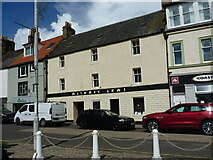 NO5603 : The Masonic Arms pub at 12 Shore Street, Anstruther Easter by Richard Law