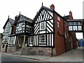 SJ8562 : The Lion and Swan, Congleton by Stephen Craven