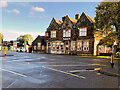 SP8966 : The Beefeater on London Road by David Dixon