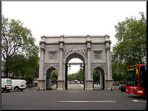 TQ2780 : Marble Arch: London by Pam Brophy
