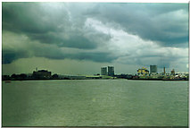 TQ3980 : River Thames, east of Greenwich. by Ron Hann