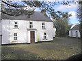 H5471 : Farmhouse at Drumduff by Kenneth  Allen