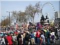 TQ3079 : London Marathon by Hugh Venables