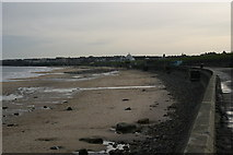 NZ3573 : Whitley Bay beach from the promenade by Phil Thirkell