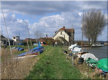 TG3504 : Beauchamp Arms, Claxton by Graham Hardy