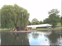 TL9925 : Boating lake, Castle Park, Colchester by David Hawgood