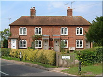 TQ9144 : Thorne Cottages, Pluckley by Dave Skinner
