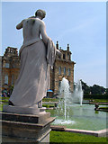 SP4416 : The Formal Garden Fountains, and Statue, Blenheim Palace by Dave Skinner