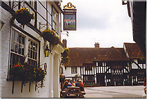 TR0653 : White Horse, Chilham by Colin Smith