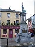 S7127 : New Ross: Matthew Furlong statue and The Tholsel Inn by Nigel Cox