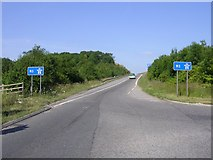 SU4726 : Unusually steep slip road onto the M3 from the Itchen Valley by Jim Champion
