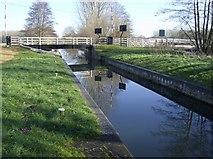 SU6168 : Ufton Lock and Swing Bridge by Graham Horn