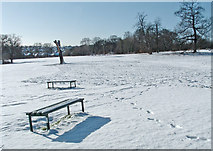 TQ3095 : Oakwood Park in winter, N14 by Christine Matthews