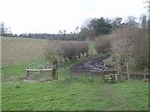 SU7077 : Dyson's Wood Farm by Graham Horn