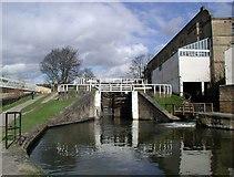 SE1039 : Three Rise Lock, Bingley by Paul Glazzard