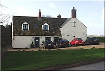 TL4279 : The Anchor Inn at Sutton Gault by Peter Easton