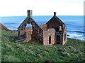 NT9659 : Ruined fishery, Lamberton Skerrs by Lisa Jarvis