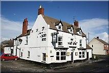 SK8975 : The Sun Inn, Saxilby by Richard Croft