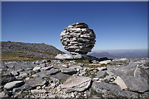 NC2018 : Mountain Art on Canisp - A Quartzite Spherical Cairn by Peter Standing
