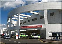 NT2970 : Emergency Department, Edinburgh Royal Infirmary by Lisa Jarvis