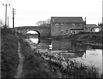 ST8660 : Hilperton Wharf Bridge, Kennet and Avon Canal by Dr Neil Clifton