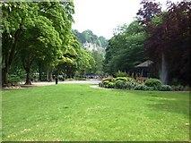 SK2957 : Park Scene by Donnylad