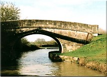 ST8559 : Balls Bridge - No.168 - Kennet & Avon Canal nr.Trowbridge 2004 by Maurice Pullin