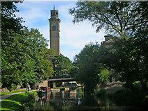 SE1338 : Leeds Liverpool Canal by John Haig