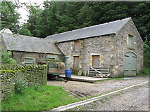 NY9449 : Barn at Newbiggin by Mike Quinn