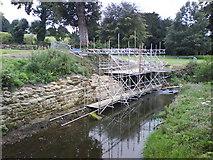 SE2768 : Scaffolding in the River by Matthew Hatton