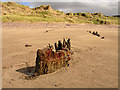 V6492 : Remains of a boat on Rossbeigh Beach by Linda Bailey
