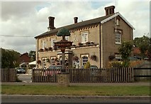 TL9165 : Village sign and 'Fox & Hounds' public house at Thurston by Robert Edwards