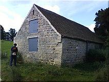 SE2768 : Seven Sisters Barn, Kitchen Bank by Matthew Hatton