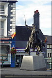 SJ0743 : Owain Glyndwr - New Statue by malcolm2505