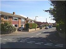 SE1321 : Ascot Grove, Rastrick by Humphrey Bolton