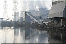 SE4725 : Ferrybridge Power Station by Alan Murray-Rust
