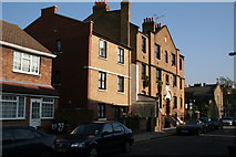 TQ3581 : Lindley House, Lindley Street, East London by Dr Neil Clifton