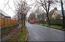 SE1421 : Shepherds Thorn Lane by Betty Longbottom