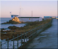 J5182 : Seacliff Road, Christmas morning by Rossographer