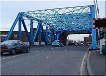 TA1029 : North Bridge, Hull by Peter Church