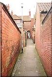 SK7953 : Lock Entry Passage by Richard Croft