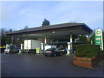 TL1314 : Service Station Luton Road by Gary Fellows