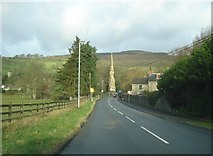 SO2160 : Approach to New Radnor and the memorial by Trevor Rickard