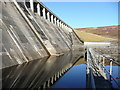 NH3470 : Glascarnoch dam by david johnston