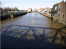 TA1029 : The River Hull and North Bridge's Shadow by Andy Beecroft
