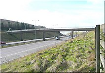 SE1220 : Footbridge over the M62, Pinfold Lane, Fixby by Humphrey Bolton