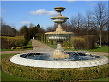 TQ2882 : Fountain in Regent's Park by Stephen McKay