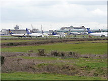 O1644 : Parked 'planes at Dublin Airport by Jonathan Billinger