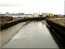 TA1031 : The River Hull southwards from Stoneferry Bridge by Andy Beecroft